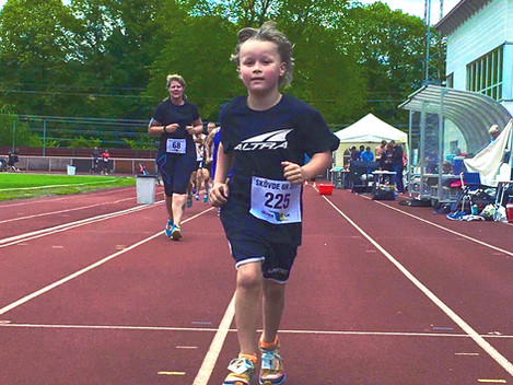 Congrats to Elias, the youngest runner who finished his first half marathon with his LaceLocker® at