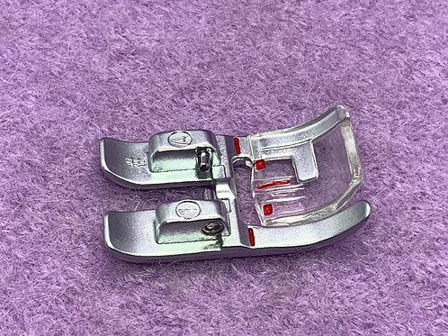 Standard Nähfuß für Pfaff Nähmaschinen mit 9 mm Stich breit Creative 7550