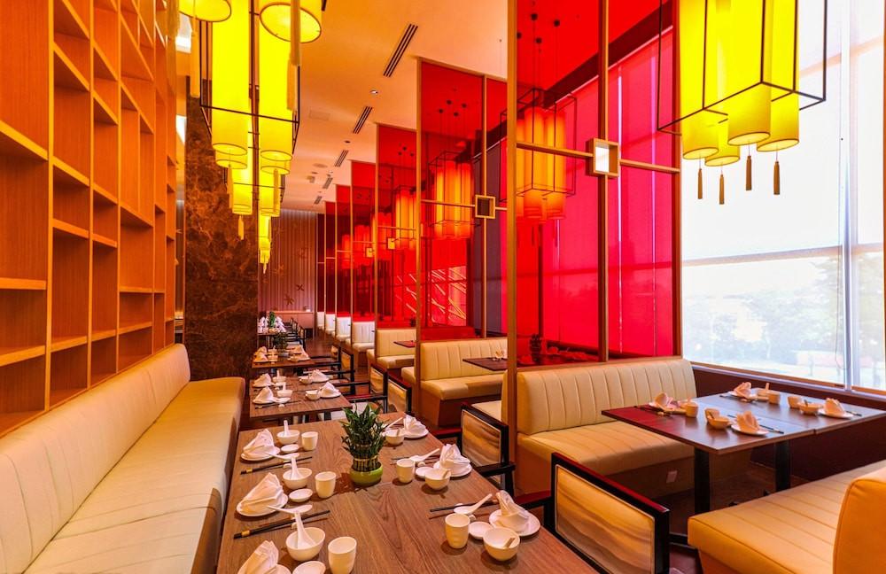 Toh Yuen Chinese Restaurant, Acmar Hotel