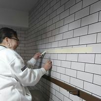 ビスのきかない壁に棚をつける