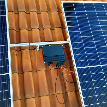 Microinversor QS1 Instalado Smart Sun