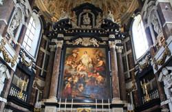 Kunstschatten in een barokkerk