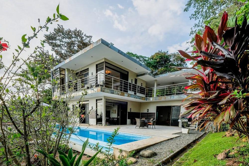 Villa exterior Uvita airbnb 3 bedroom oceanview