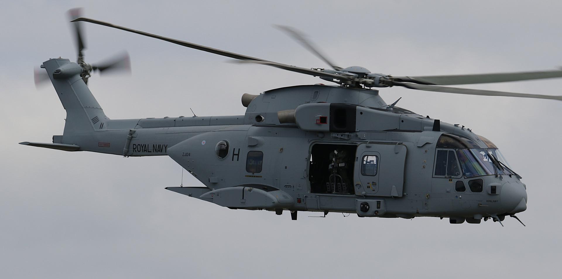 Royal Navy Merlin RNIAD 2019 (20).JPG