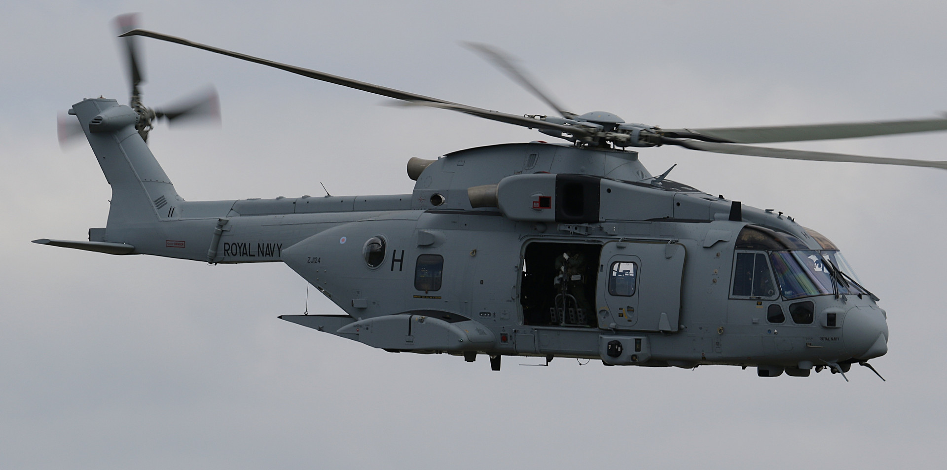 Royal Navy Merlin RNIAD 2019 (20).JPG