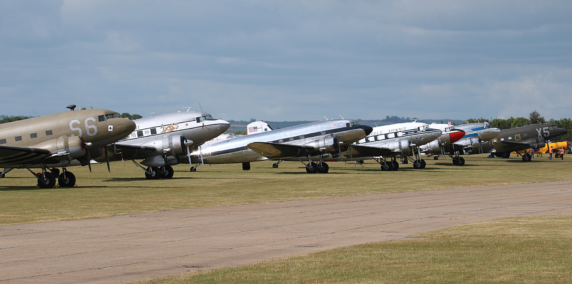 Line up Daks over Duxford June 2019 (72)