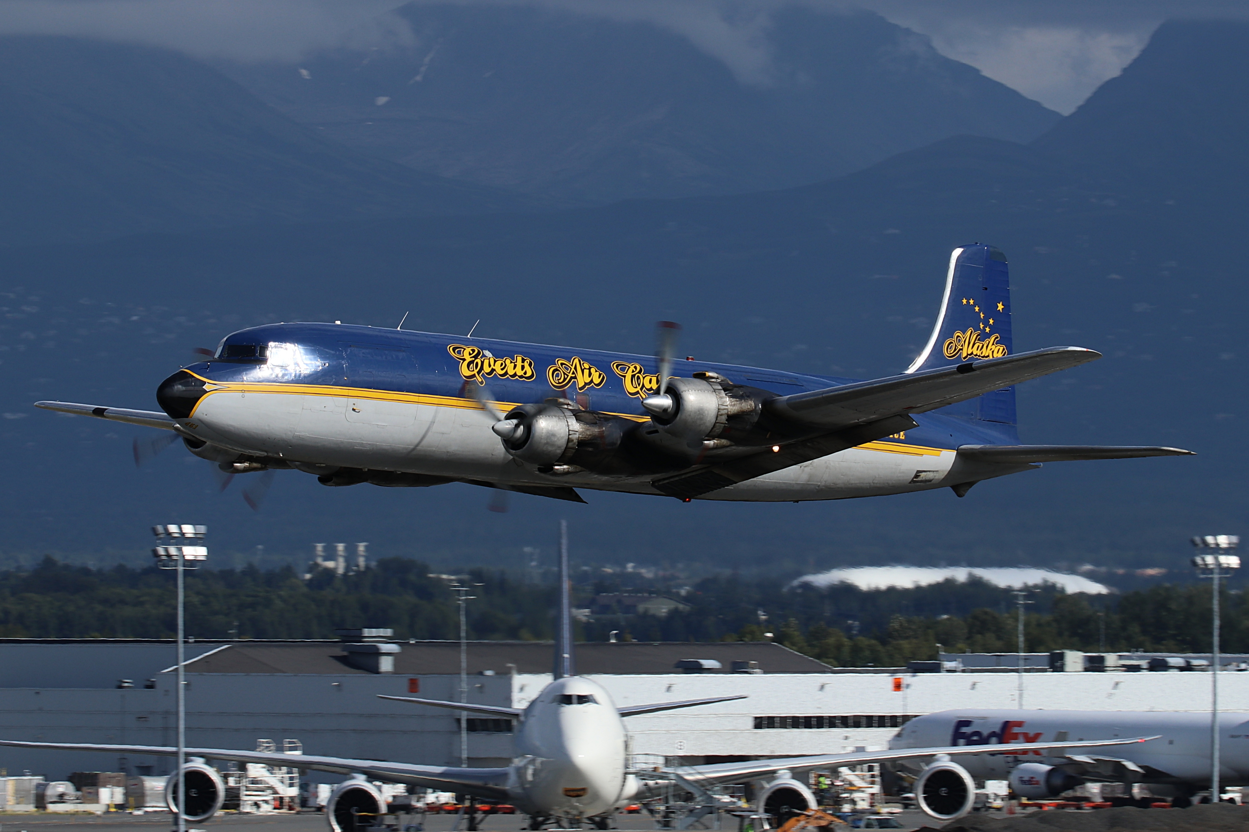 DC6 Evert Air Cargo Alaska