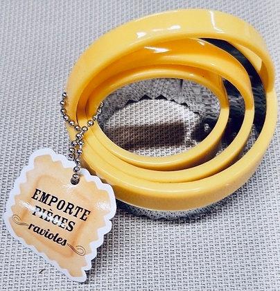 Emportes pièces ravioles 3 tailles jaune