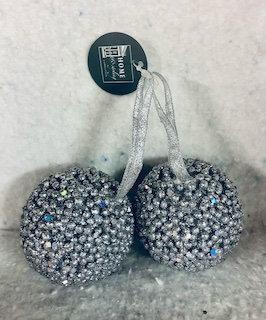 Lot 2 boules de Noël argentés à suspendre