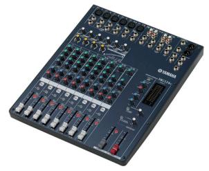 Table de mixage Yamaha - 6 micros