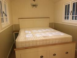 Eurpoean handmade super kingsize bed