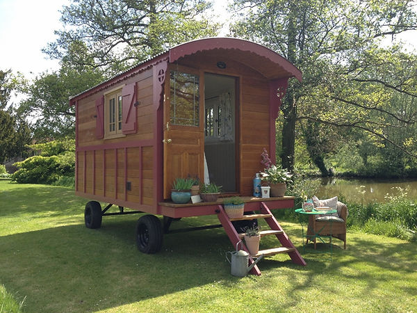 Gypsy caravan Vardo 7.jpg