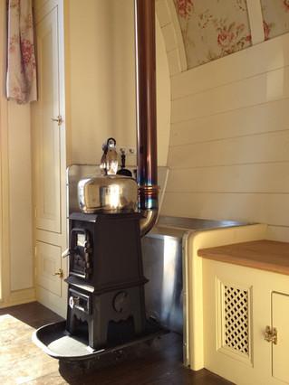 Bow Top Pipsqueak stove