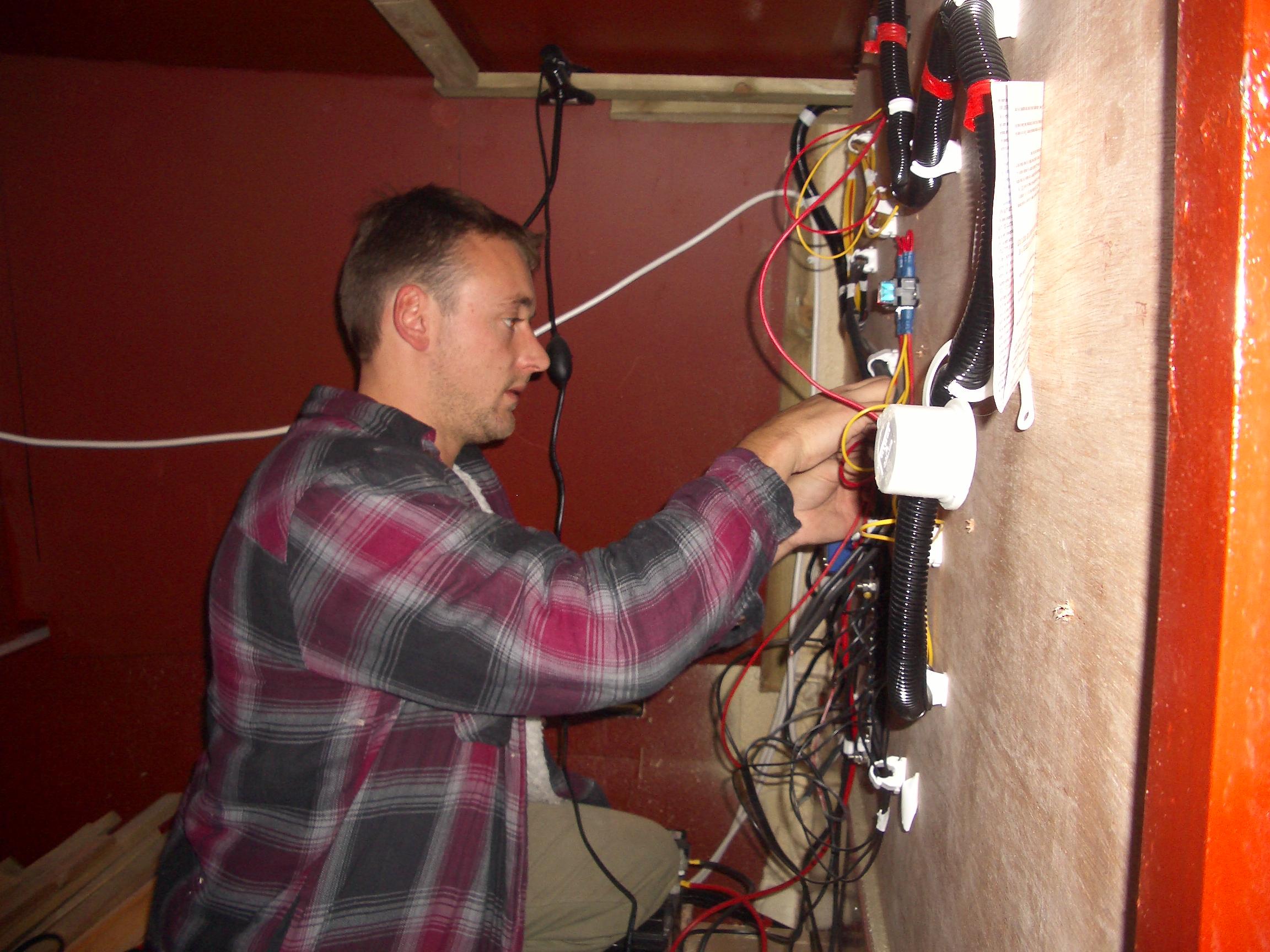 Fernhills boat wiring