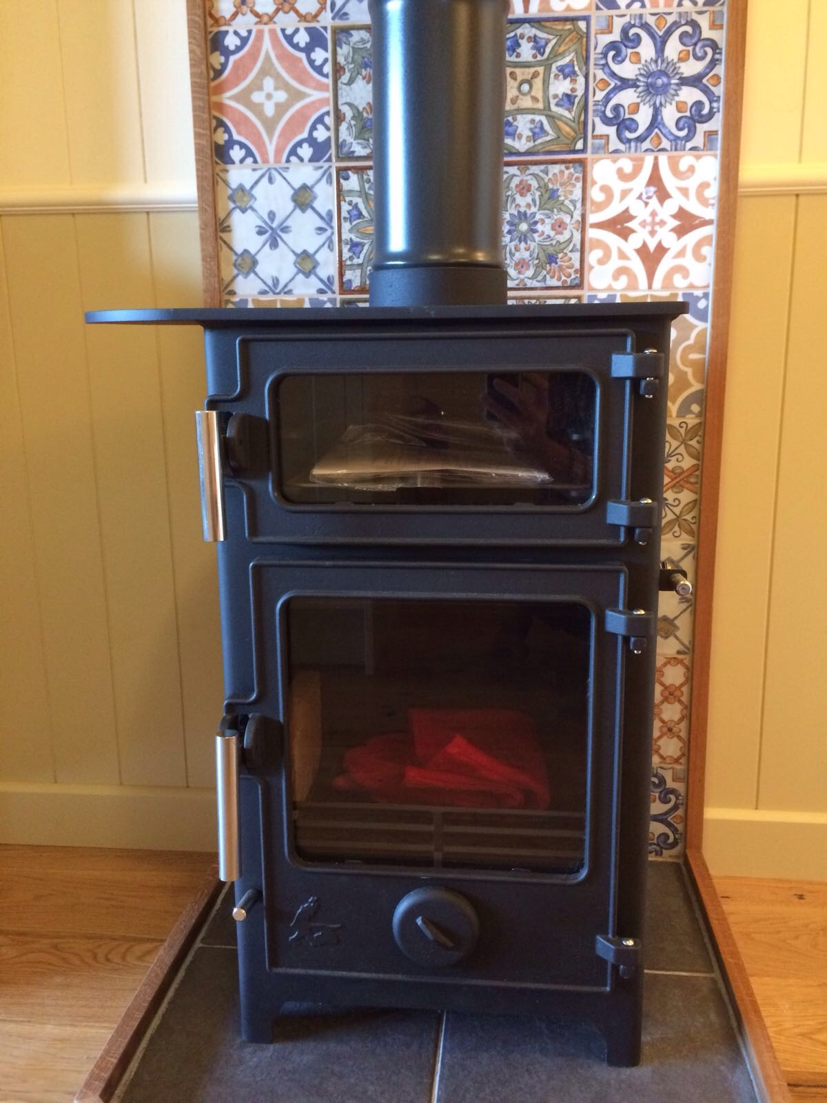 Wood burner with oven