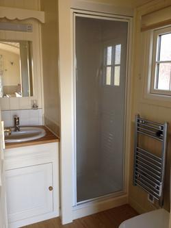 La Grande Roulotte bathroom