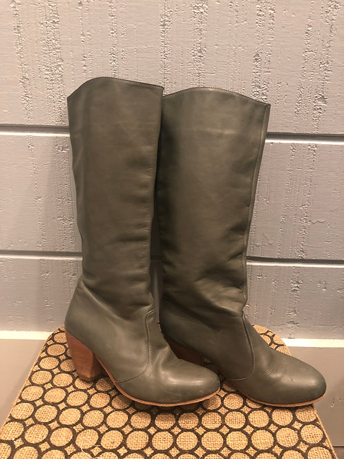 6.5 Fiel/Anthropologie Gray Boots