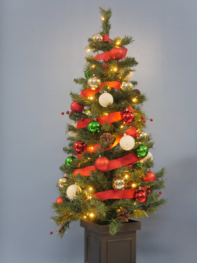 #4:5 christmas green & red & pinecone.JP