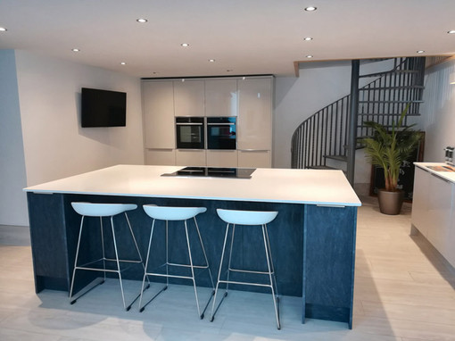 Barn-Conversion-Kitchen-Island-02.jpg