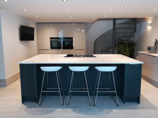 Barn-Conversion-Kitchen-Island-07.jpg