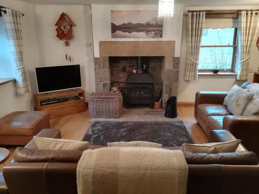 Cottage-living-room-1.jpg