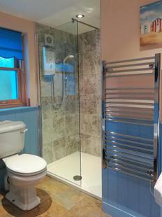 Cattage-Bathroom-1.jpg
