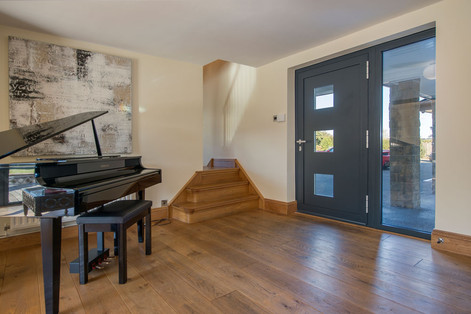 Entrance-area-piano.jpg