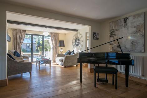 Reception-area-piano.jpg