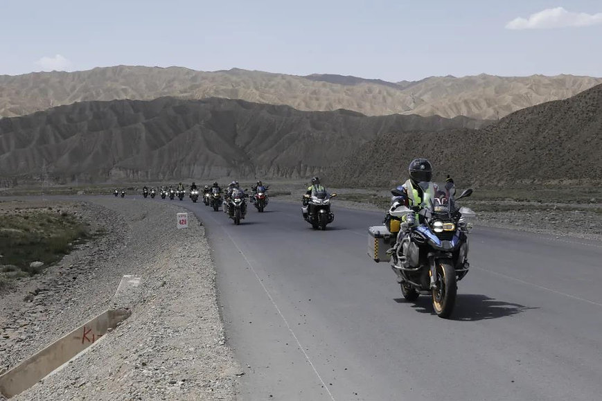 23 Days of Silk Road Motorcycle Trip over 8000km