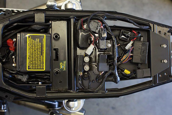 Triumph_lay_down_battery_box_top_1024x10
