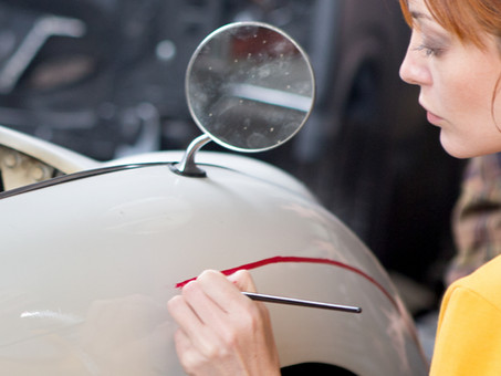 We Specialise in Pinstriping