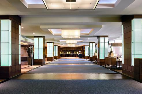 10. The Westin Harbour Castle - Lobby.jp