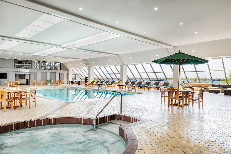 3. The Westin Harbour Castle - Indoor He