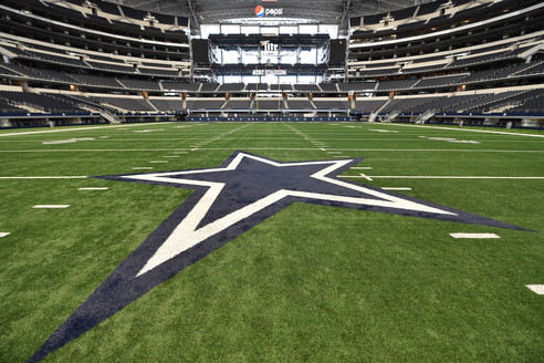 The field provides up to 98,200 square feet of space for up to 5,000 guests. It is a monumental space for large events such as banquets, trade shows, and private concerts. The field is the heart of AT&T Stadium and can be configured to host a multitude of different occasions with any type of audio/visual capabilities.