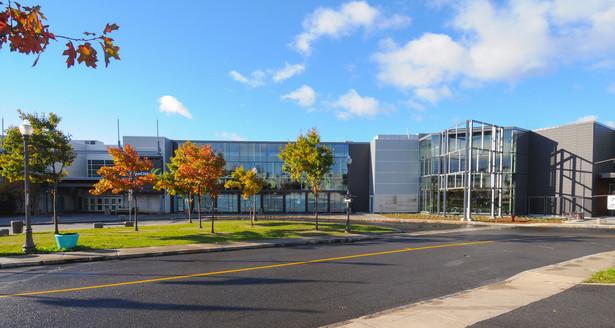 Exhibition Center by day   Ville de Québec