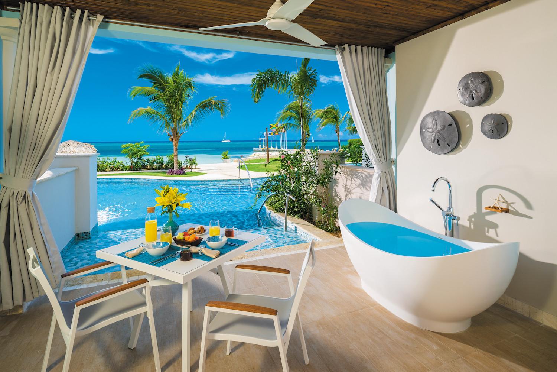 2-Swim-up Suites.jpg
