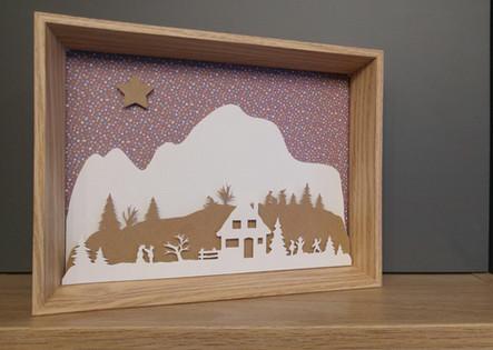 Cadre bois avec illustration en papier découpé