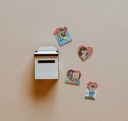 Wall Mount Mailbox with Valentines