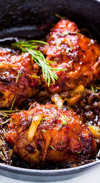 Caramelized Onion Rosemary Chicken Thigh