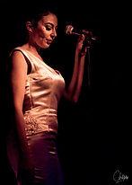 Chanteuse solo en Belgique - Ruby Colibri