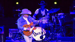 A MILLION MILES FROM NOWHERE LED DWIGHT YOAKAM STRAIGHT TO TULSA