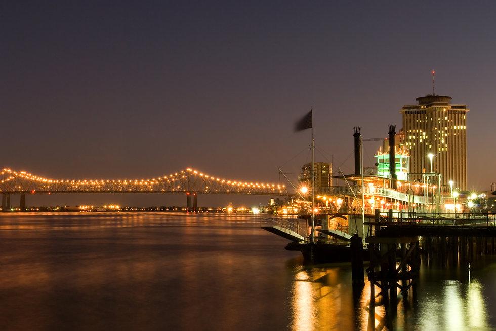 Hotels and bridge over Mississippi river