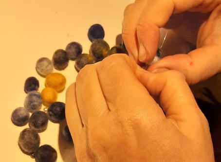 Créer ses bijoux en laine