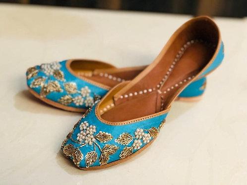 Punjabi geborduurde Jutti leren schoen blauw