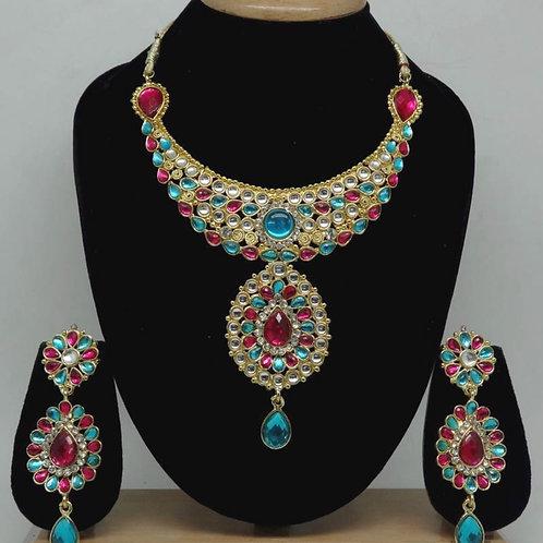 Mehrfarbige Halskette mit Ohrringen