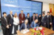 4. 符合国际标准的本土化运营Minyoun Hyatt Signing Cer