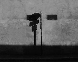 L'ombre et le panneau