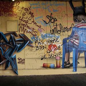 Street art en chaise stark