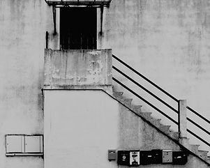 L' escalier et les boites