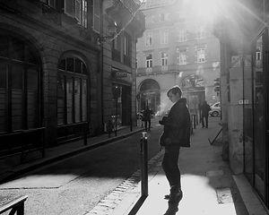 Café, cigarette et téléphone